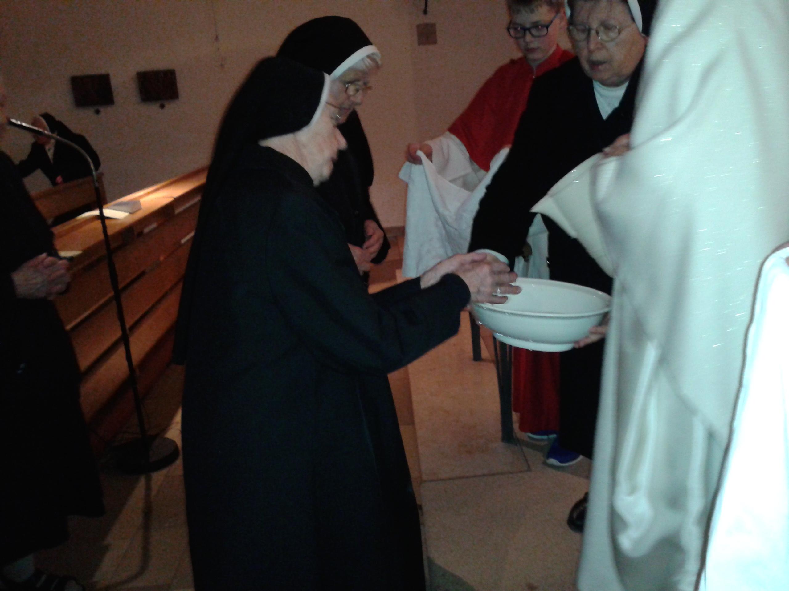 Händewaschung am Gründonnerstag